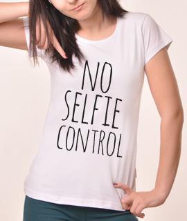 Zenska Rules majica sa natpisom No selfie Control - Proizvod