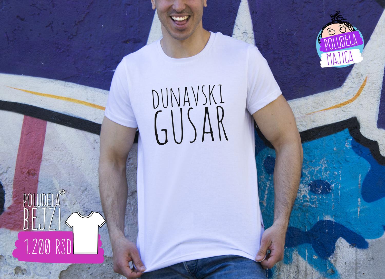 Poludela Majica sa natpisom Dunavski Gusar